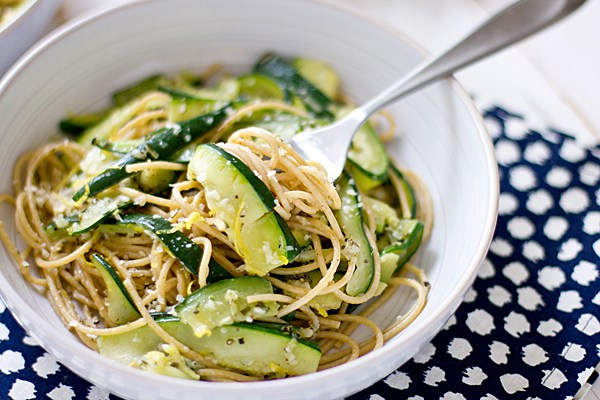 zucchini and whole wheat pasta